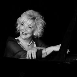 GÜLSIN ONAY – PIANO